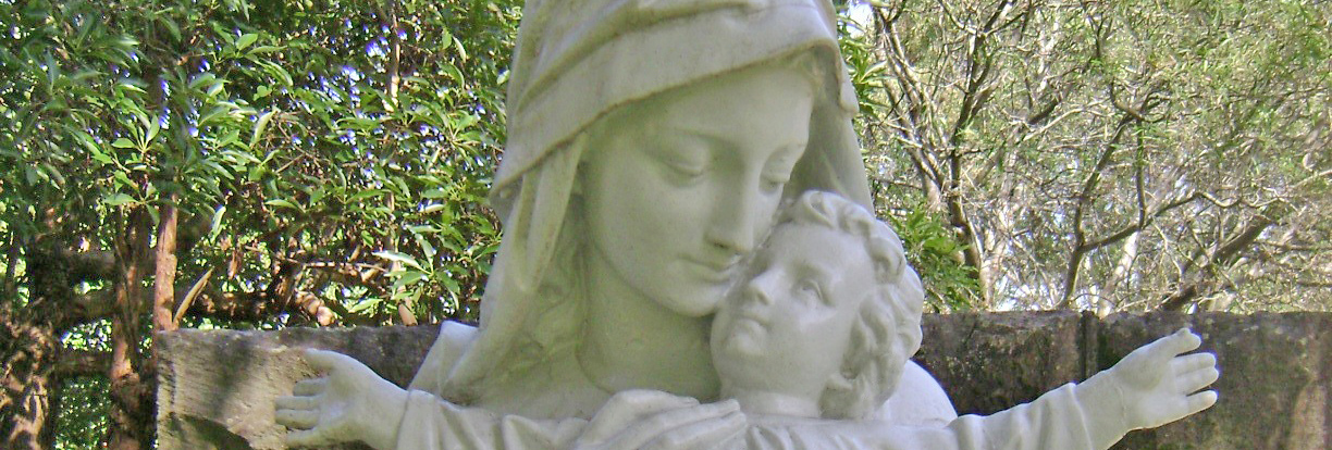 0421 Mary statue VM grounds 2 0308wide e