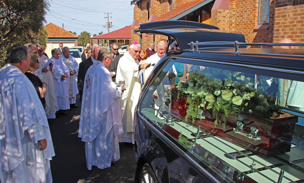 0818 PCooney funeral 33
