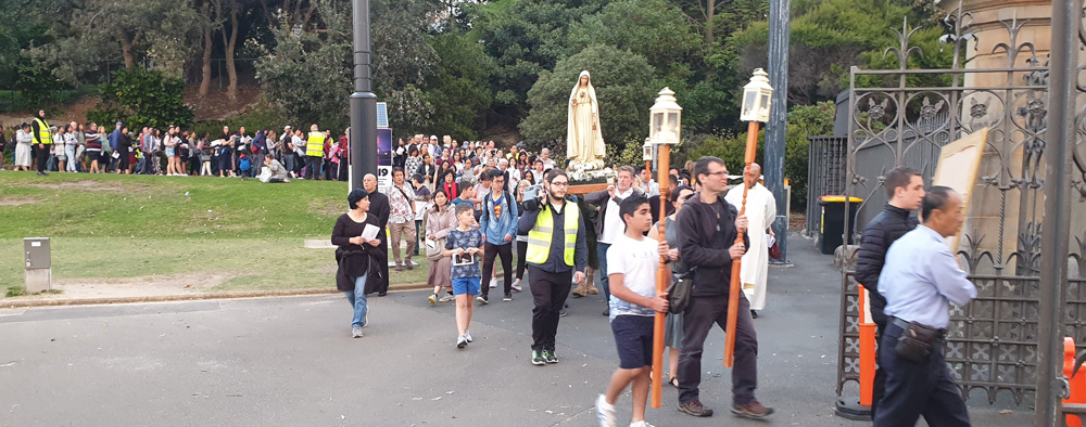 1019 Marian Procession 5